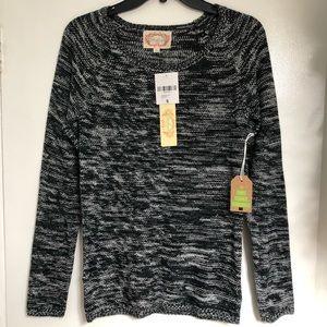 NWT Ambiance Black/White Sweater